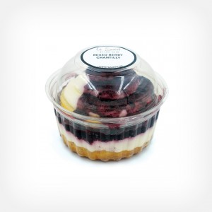 mixed-berry-chantilly-cake